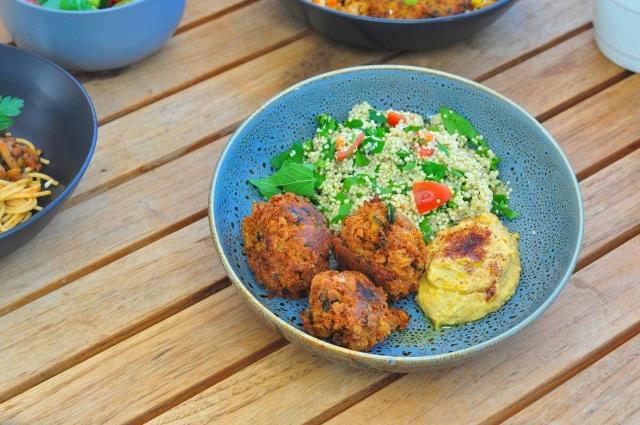 Falafels with hummus and quinoa tabouli