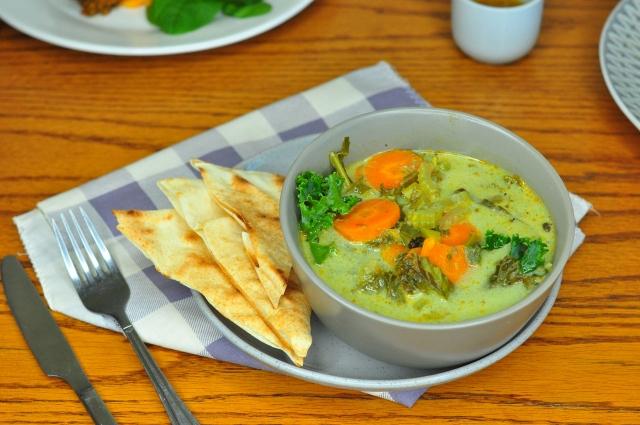 Green veggie & coconut soup